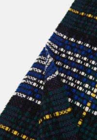 Johnstons of Elgin - 100% CASHMERE BASKET TARTAN SCARF UNISEX - Scarf - green/blue - 2