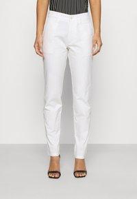 DRYKORN - MAD - Pantaloni - off-white - 0