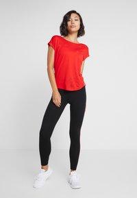 ONLY Play - ONPTERRA LEGGINGS - Leggings - black/beet red - 1
