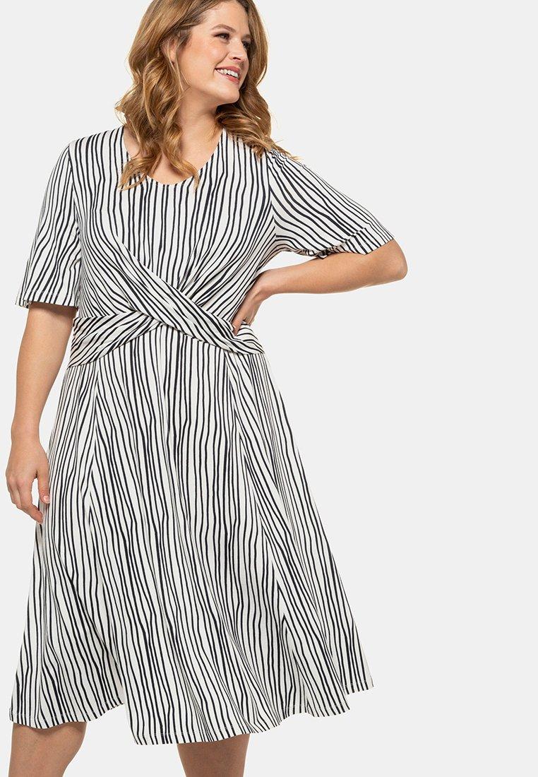 Ulla Popken - Jersey dress - weiß/marine