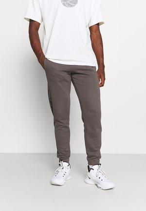 GEOMETRIC CAMO - Teplákové kalhoty - grey heather