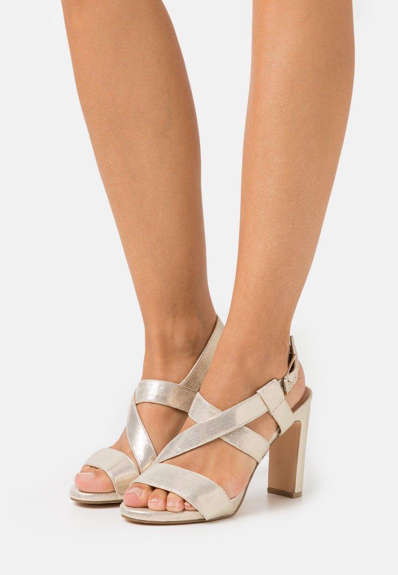 Menbur - High heeled sandals - gold