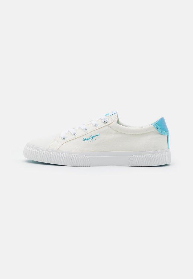 KENTON BASS - Sneakersy niskie - white