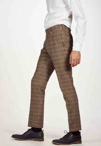 MDB IMPECCABLE - Suit trousers - sand - 3