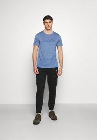 Houdini - TREE MESSAGE TEE - T-shirt print - blue - 1