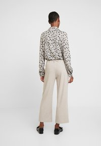 Gerry Weber Casual - Trousers - light taupe melange - 3