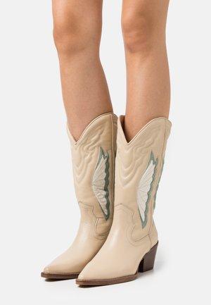 JUKESON - Cowboy/Biker boots - camel/sage green