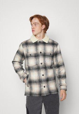 CHEST SIGNATURE JACKET UNISEX - Light jacket - beige