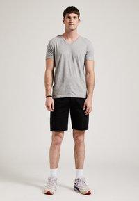 Phyne - T-shirt basique - grey - 1