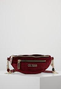 Guess - RONNIE - Bum bag - merlot - 0
