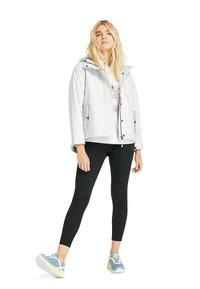 Timberland - SHORT  - Summer jacket - white sand - 1