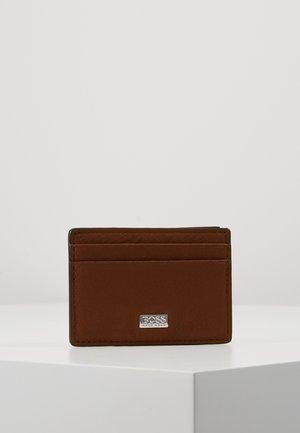 CROSSTOWN MONEY - Business card holder - light/pastel brown