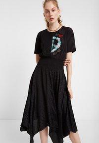Desigual - VEST NOOSA - Korte jurk - black - 0