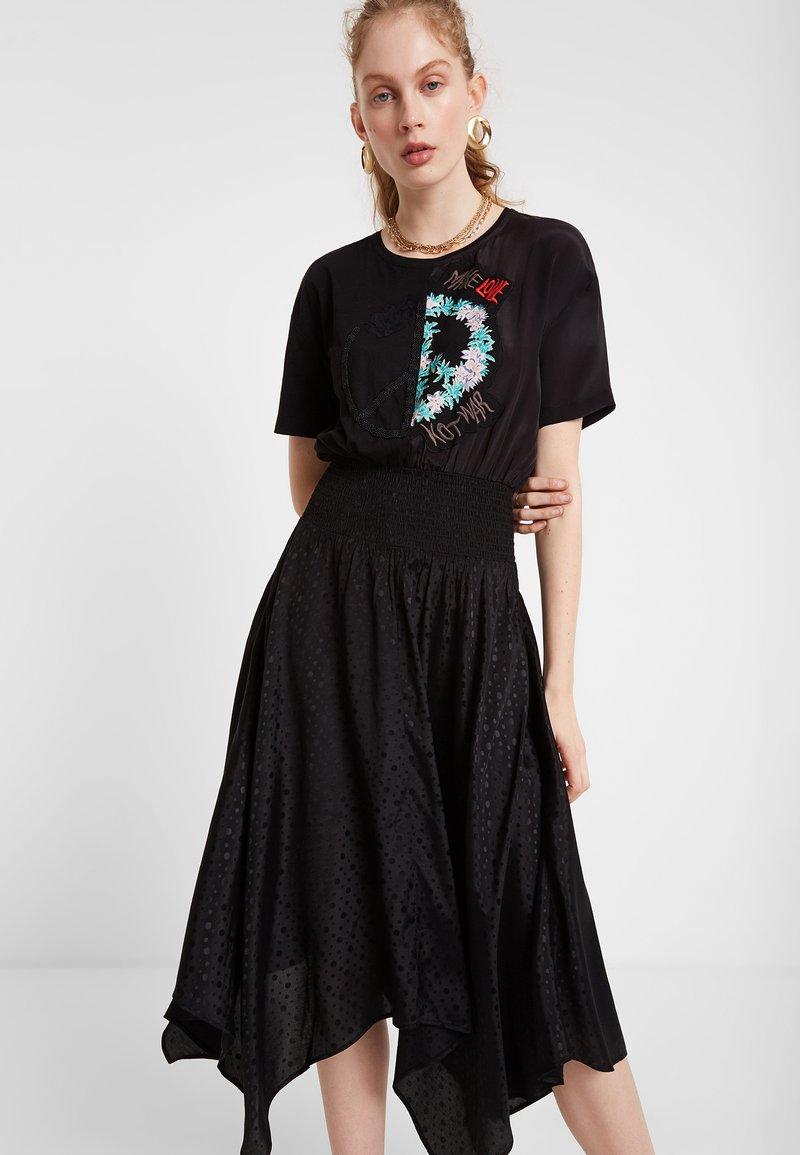 Desigual - VEST NOOSA - Korte jurk - black