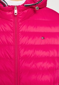 Tommy Hilfiger - ESSENTIAL - Doudoune - ruby jewel - 5