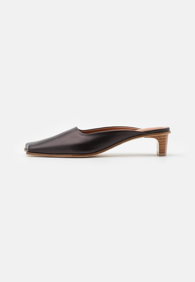 LENI MULES  - Ciabattine - black