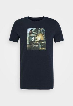JJBARISTA TEE CREW NECK - Print T-shirt - navy blazer