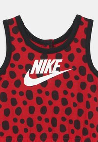 Nike Sportswear - LIL BUGS LADYBUG - Mono - university red - 2