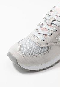New Balance - WL574 - Matalavartiset tennarit - grey/rose - 2