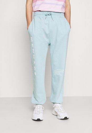MENNACE SUNDAZE FACE  - Pantalon de survêtement - light blue