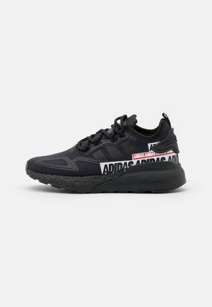 ZX 2K BOOST UNISEX - Trainers - core black/footwear white