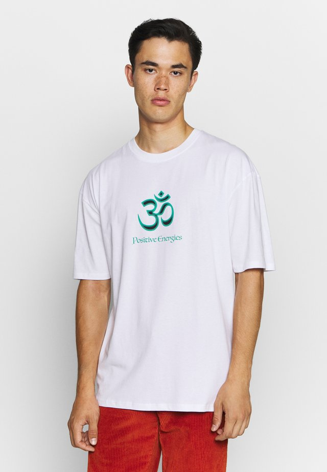 POSITIVE ENERGIES - T-shirt med print - white