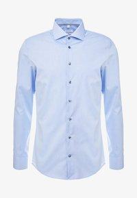 Seidensticker - SLIM FIT SPREAD KENT - Camisa elegante - blue - 4