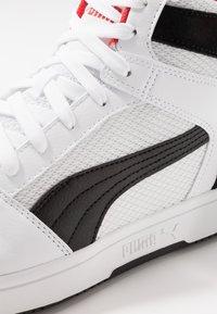 Puma - REBOUND LAYUP - Höga sneakers - white/black/high risk red - 2