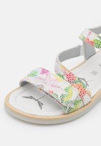 Primigi - Sandals - bianco/fucsia/verde - 5