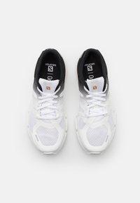 Salomon - PREDICT2  - Hiking shoes - white/black - 3