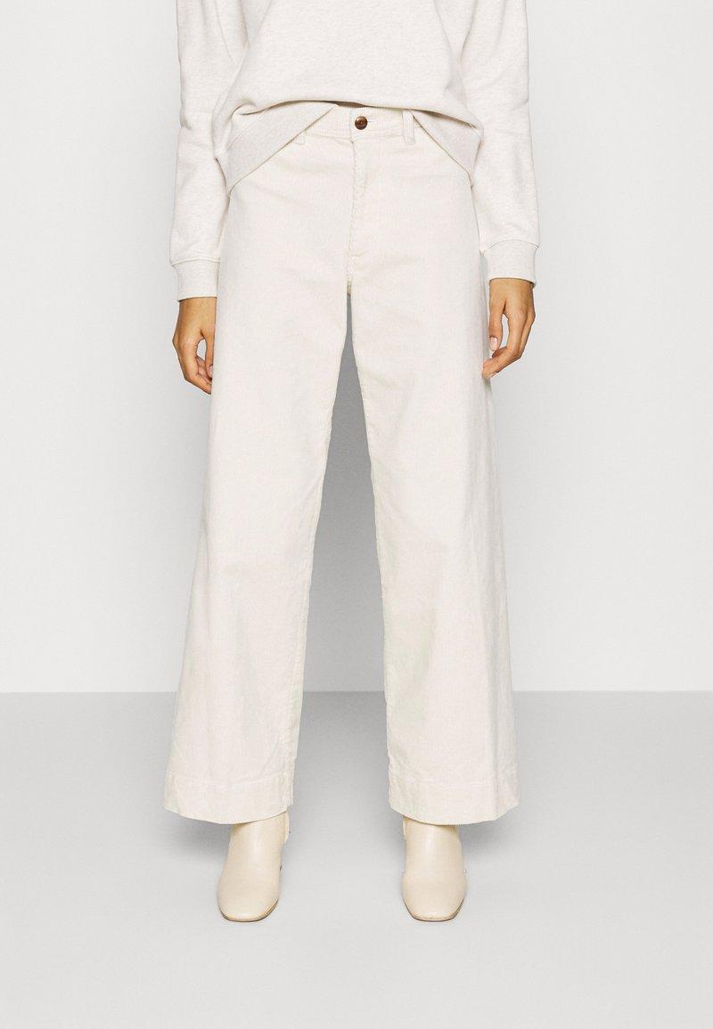 GAP - FULL LENGTH WIDE LEG - Trousers - off white