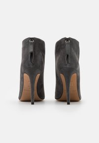 Pura Lopez - High heeled ankle boots - grey - 3