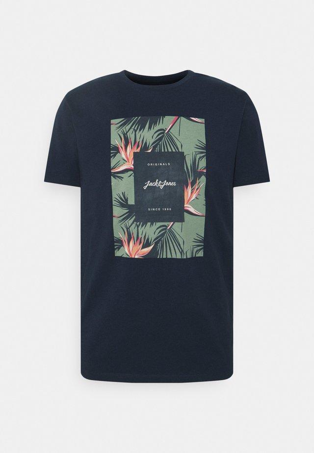 JORFLORALL - T-shirt imprimé - navy blazer