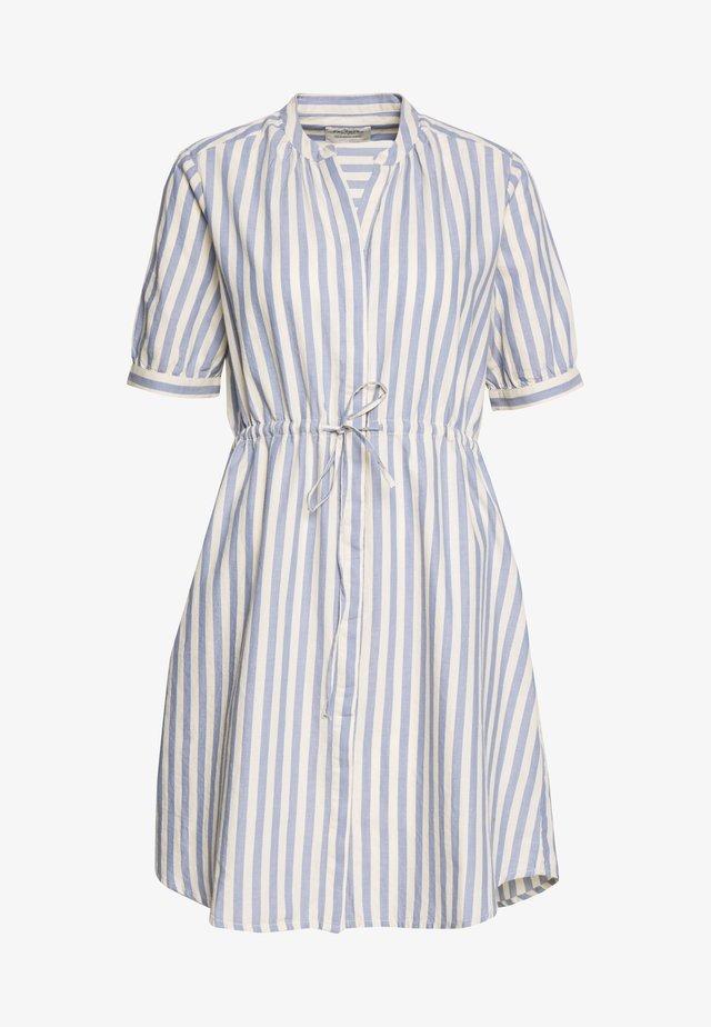 SLFZENIA DRESS PETITE - Shirt dress - country blue/sandshell