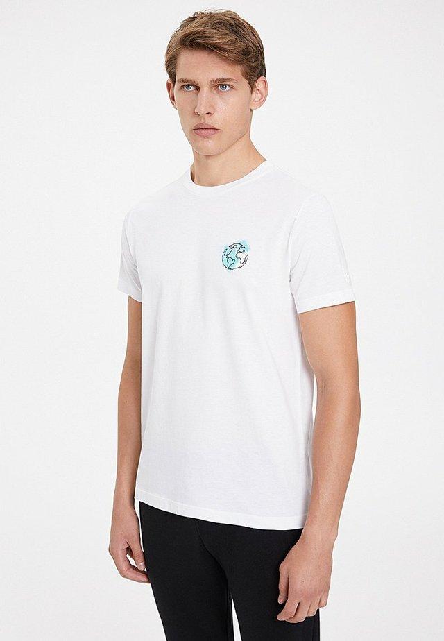 EARTH - Print T-shirt - white