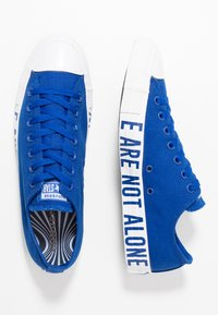Converse - CHUCK TAYLOR ALL STAR WE ARE NOT ALONE - Sneakers laag - blue/black - 1