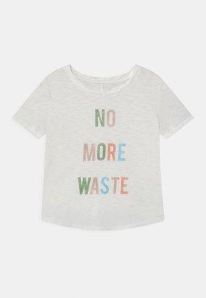 GIRL GREEN LABEL TEE - Print T-shirt - new off white