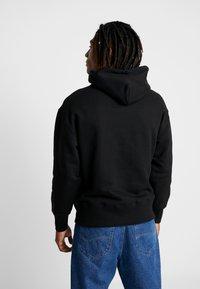 Tommy Jeans - BADGE HOODIE - Sweat à capuche - black - 2