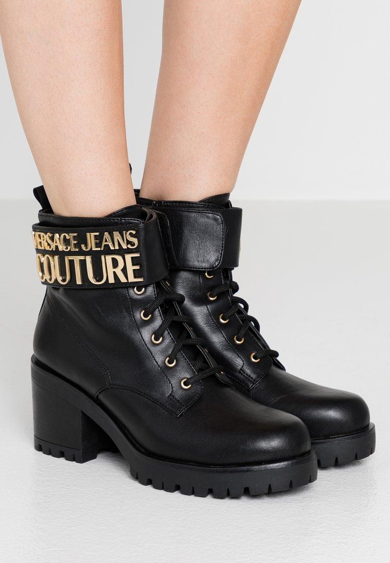 Versace Jeans Couture - Kotníková obuv - black