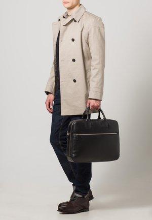 MILANO - Briefcase - schwarz