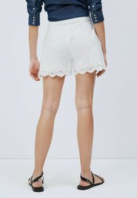 Pepe Jeans - NORA - Shorts - blanco off - 2