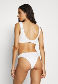 Weekday - BLISS SWIM - Bikiniöverdel - off white - 2