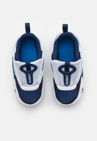 Nike Sportswear - AIR MAX BOLT UNISEX - Tenisky - blue void/signal blue/white/black - 3