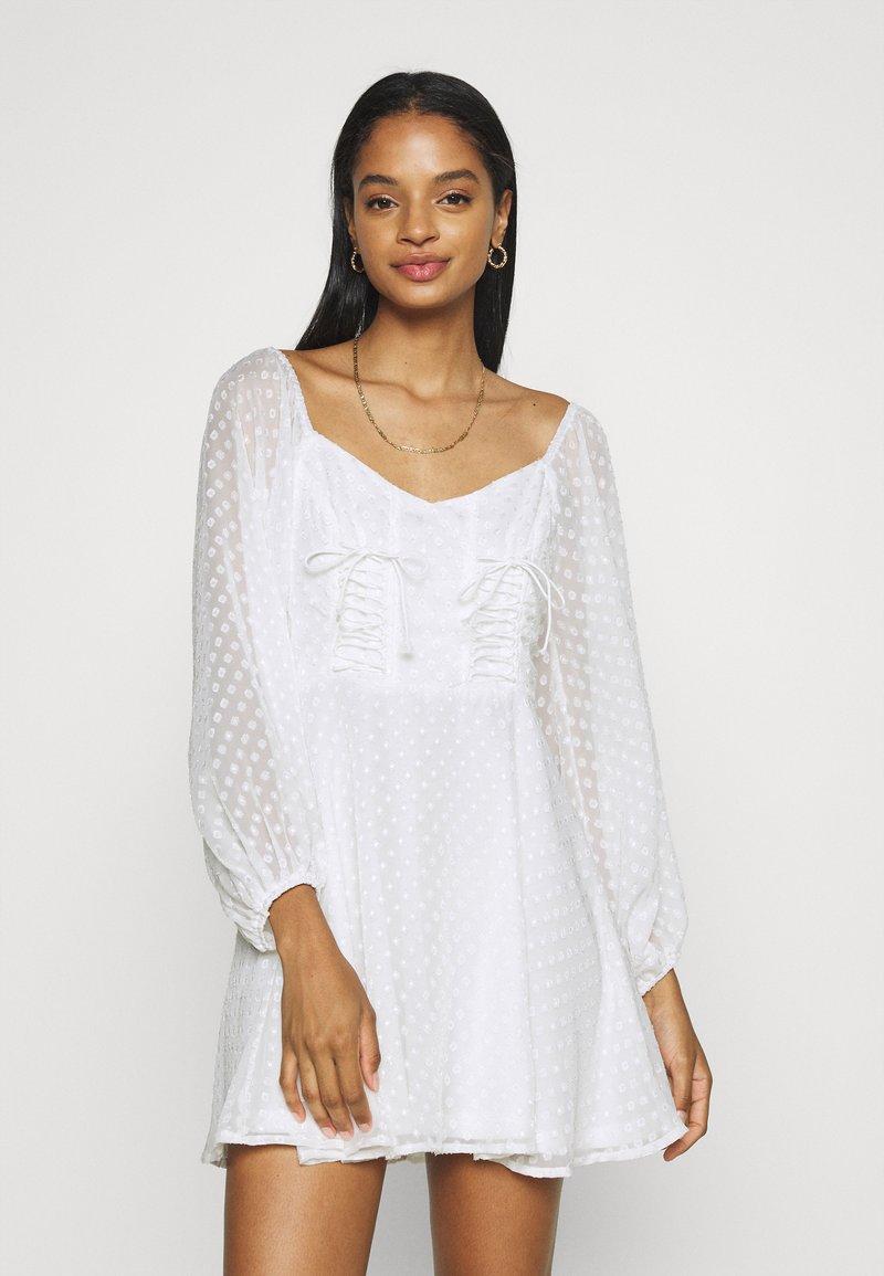 Missguided - DOBBY CORSET LONG SLEEVE DRESS - Day dress - white