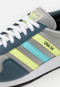 adidas Originals - USA 84 CLASSIC RUNNING SPORTS INSPIRED SHOES UNISEX - Trainers - grey/hi-res yellow/clear aqua - 5