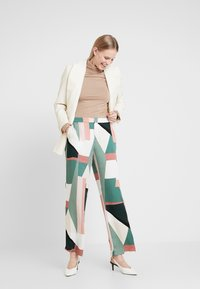 Culture - CURIGMOR PANTS - Bukse - pine grove - 1