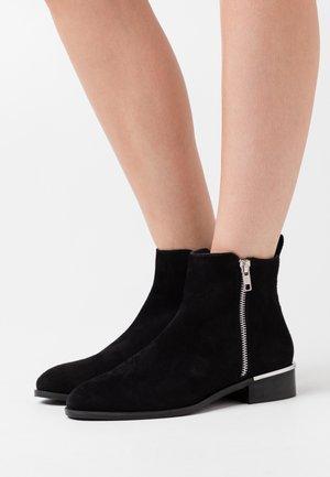 CHERISH COLORE - Classic ankle boots - black