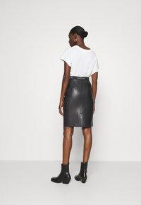 Calvin Klein - MIXED MEDIA PENCIL SKIRT - Pencil skirt - black - 2