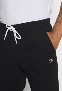 Champion - ROCHESTER CUFF PANTS - Pantalon classique - black - 4