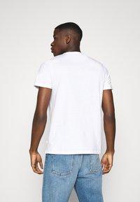 Burton Menswear London - SHORT SLEEVE CREW 3 PACK - T-Shirt basic - black/white/light grey - 2